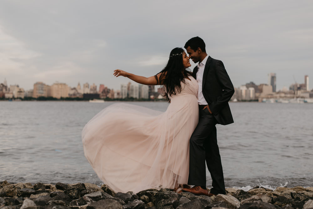 couple-sesson-on-the-hoboken-waterfront