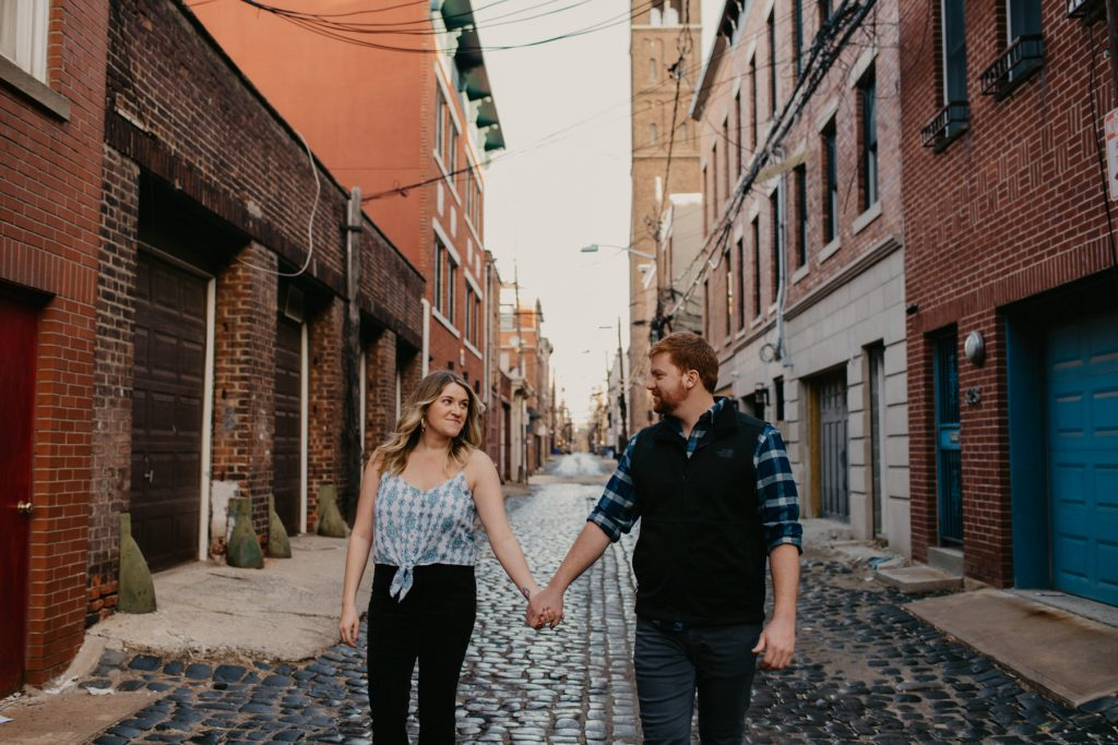 engagement-session-in-hoboken-court-street