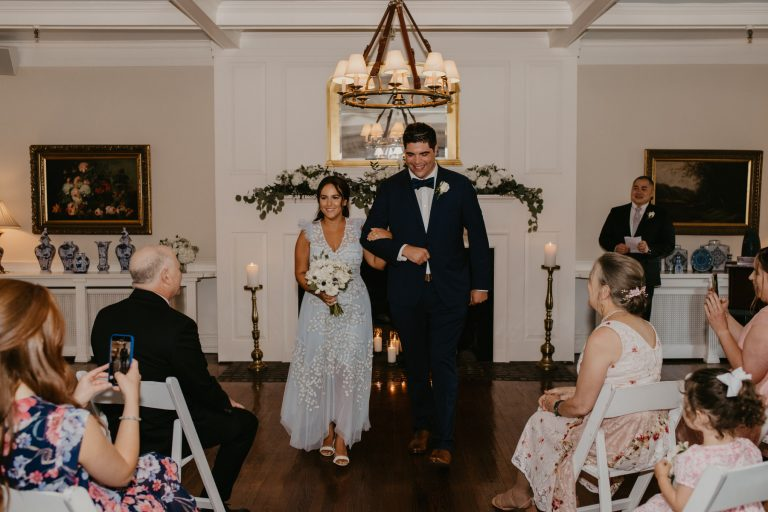 intimate-ceremony-at-essex-fells-country-club