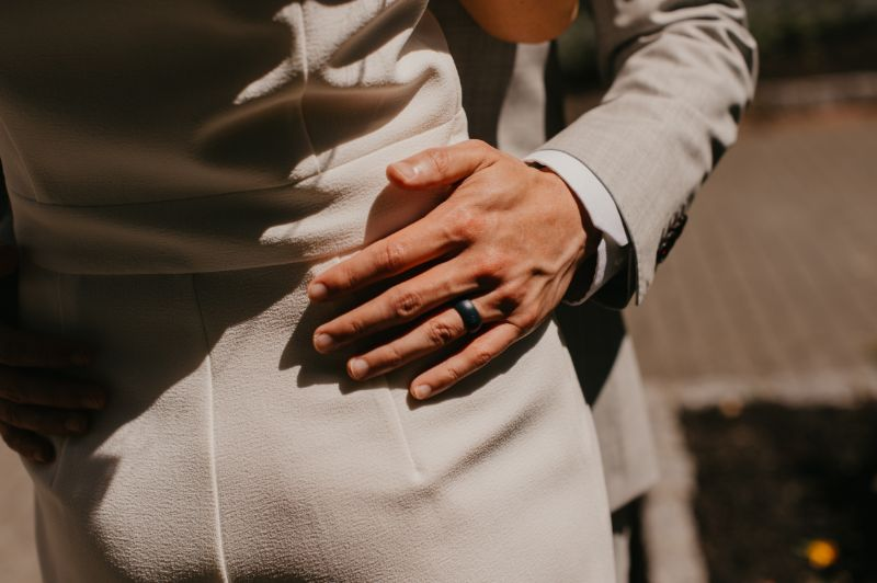 Groom wears silicone ring for his last minute elopement in Hoboken