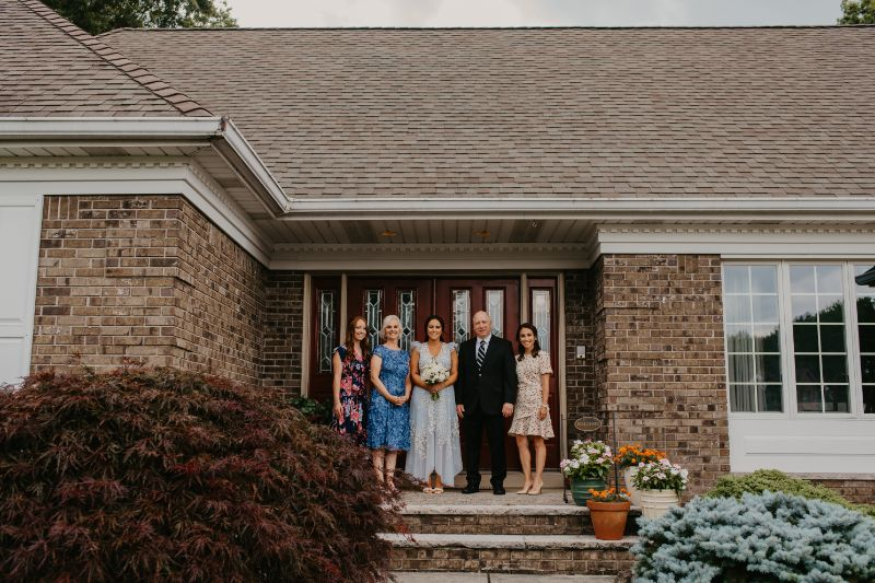 New Jersey Couple takes getting ready photos at bride's mother's house