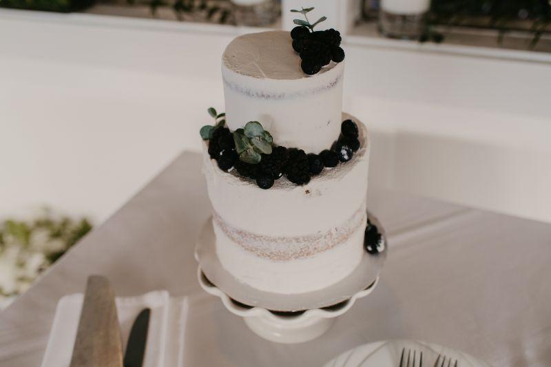 Naked cake with blackberries in Hoboken New Jersey