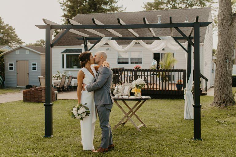 intimate-backyward-new-jersey-wedding