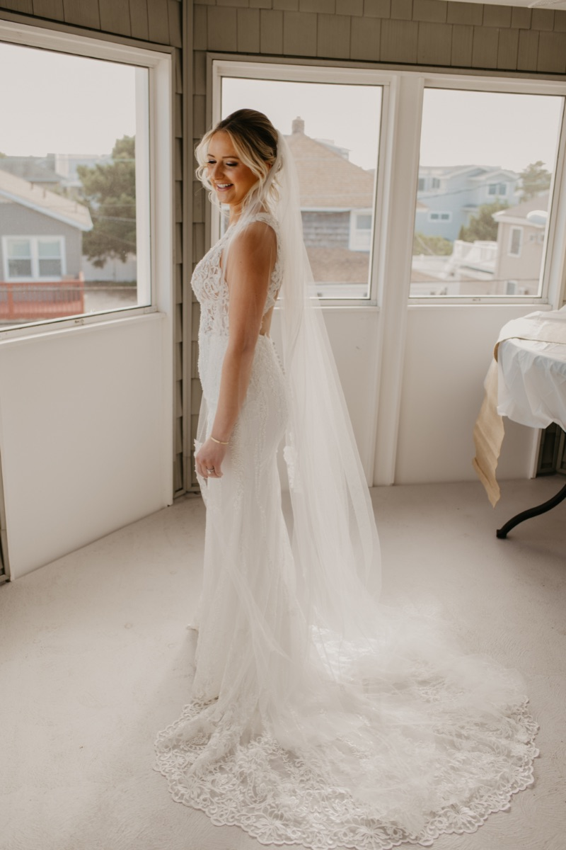 Bride getting ready in Long Beach Island house New Jersey
