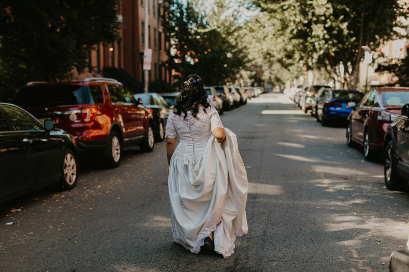 bride heading to jersey city wedding first look photos