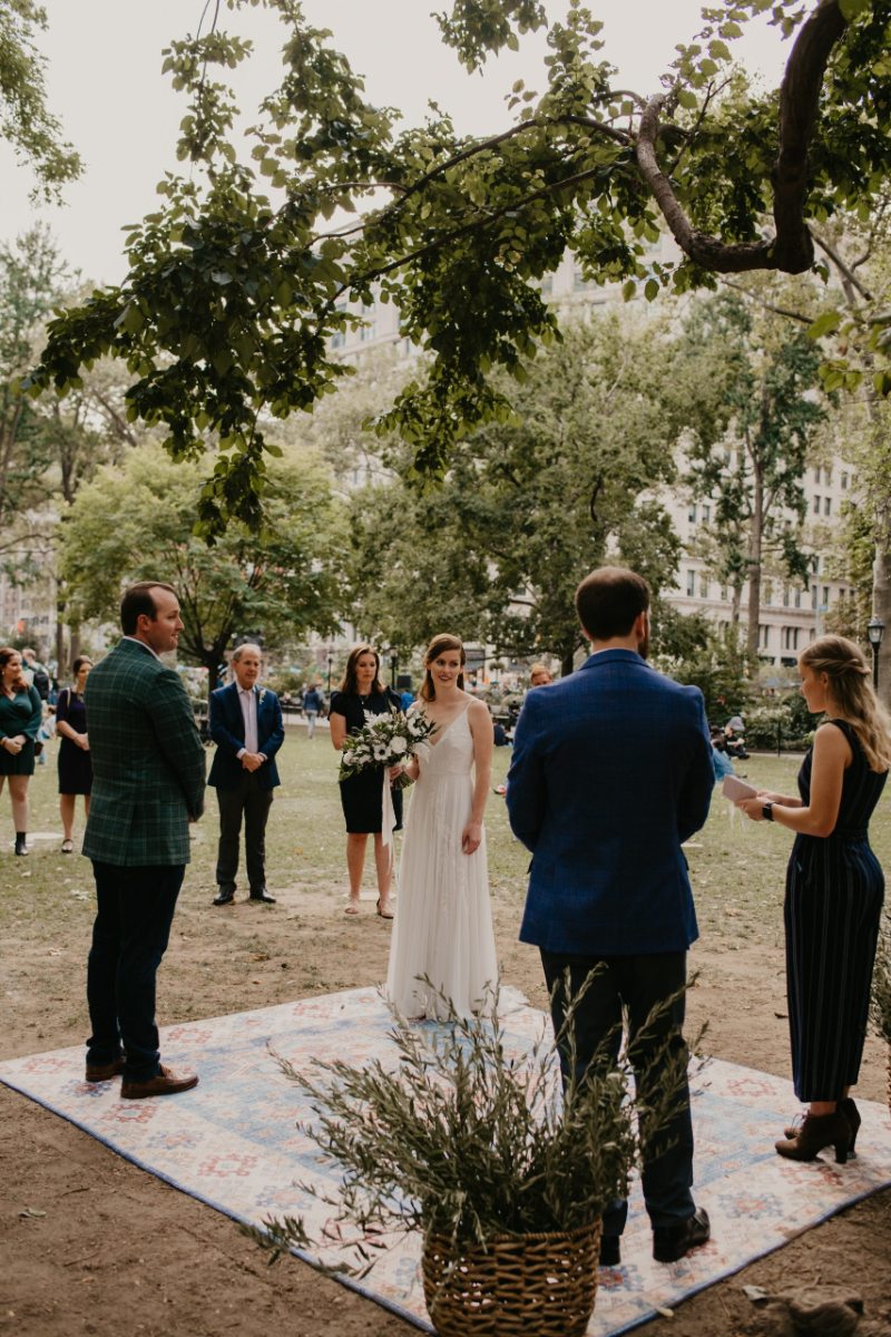 Outdoor wedding ceremony in NYC Madison Square Park