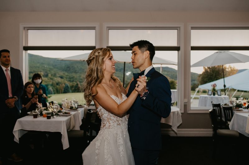Bride and groom have first dance at Storm King Tavern