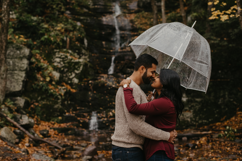 Rainy engagement photos in New Jersey