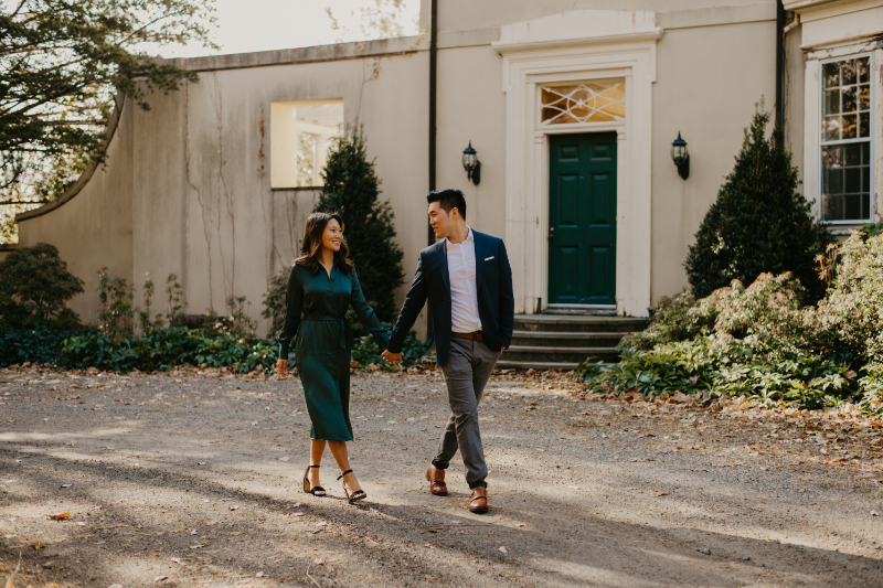 stunning city engagement photos outdoors
