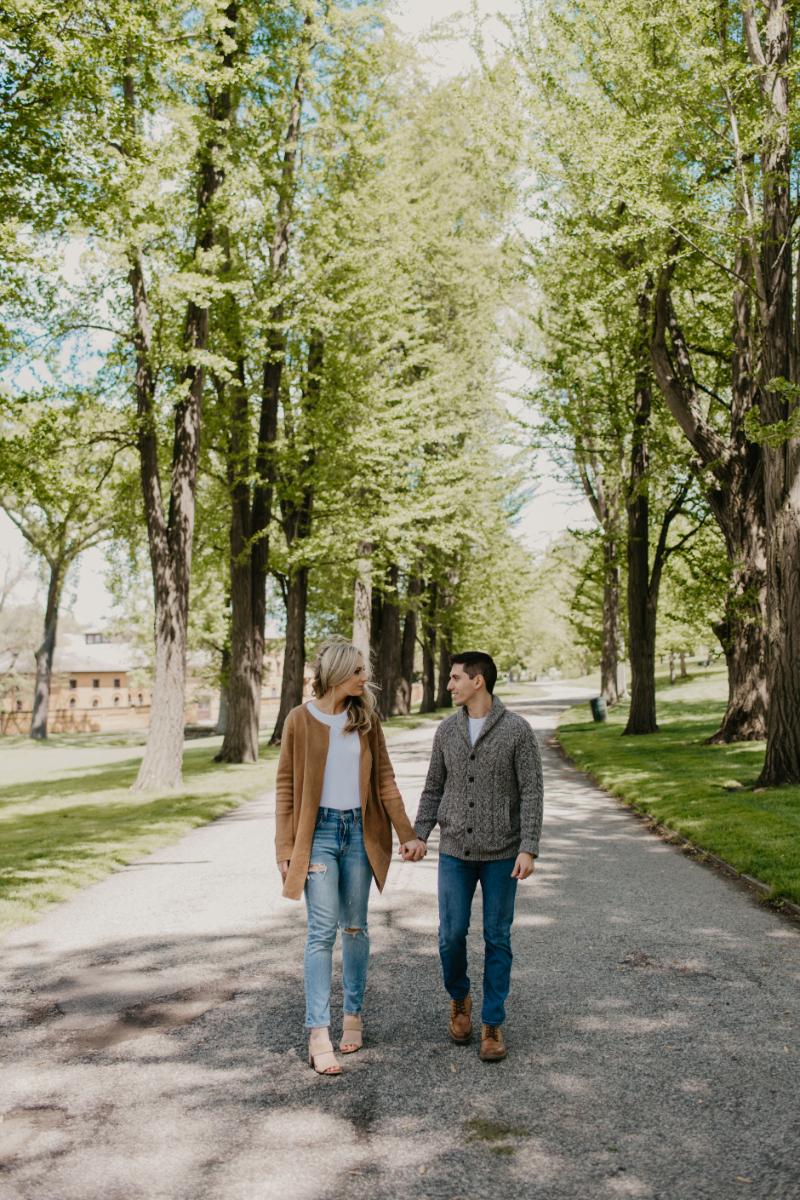 stunning outdoor engagement photos