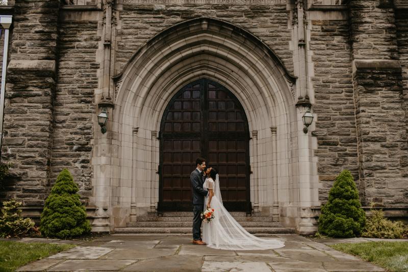 Outdoor bride and groom photos in New Jersey