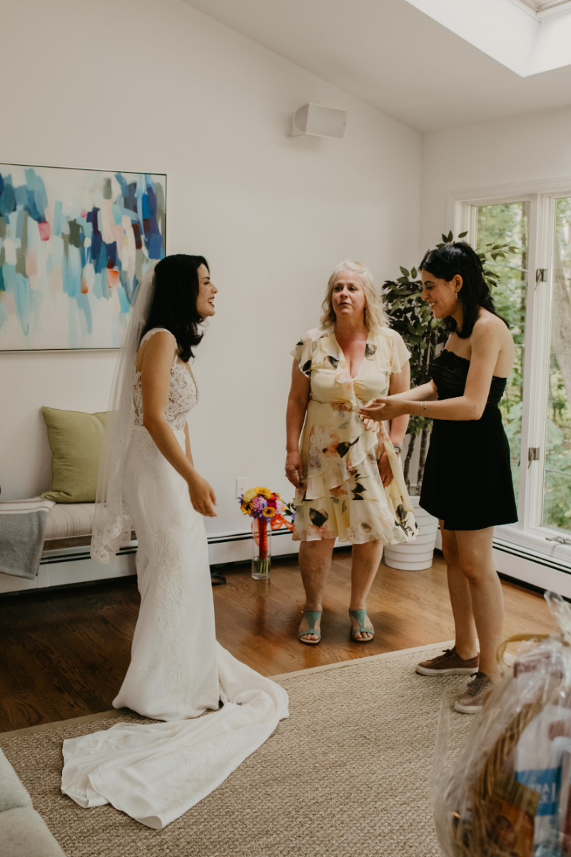 Getting Ready Photos for a Home Wedding in New Jersey