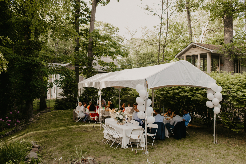 Outdoor tent for microwedding