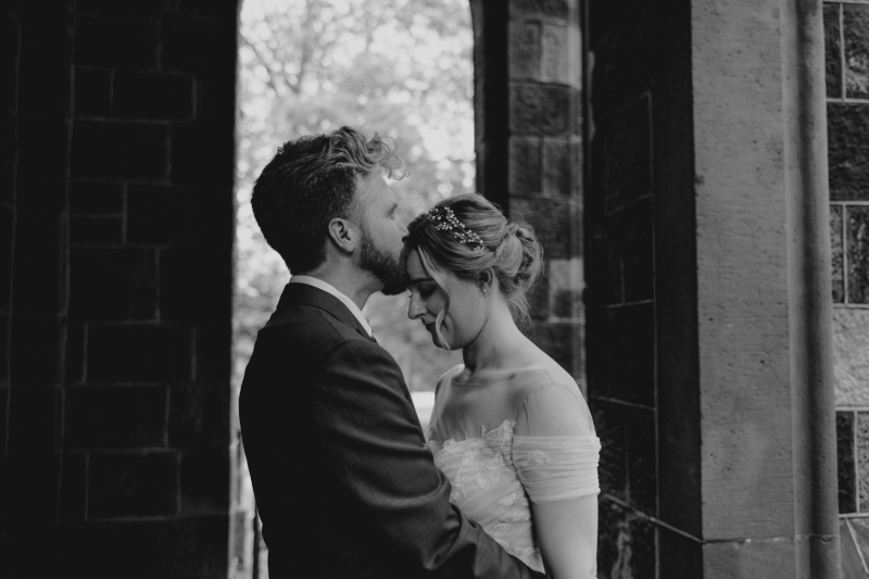 Outdoor Bride and Groom Photos in Black and White