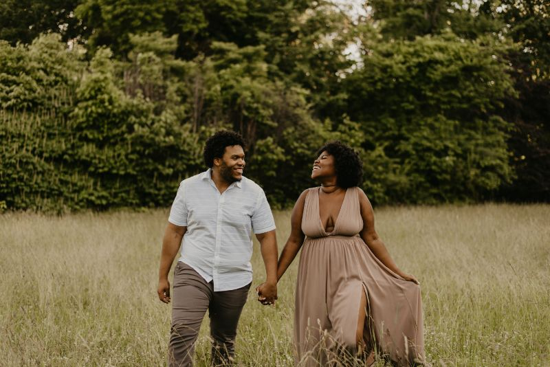 Walking on sunshine through a rustic wheat field here with Cross Estate Gardens. An amazing Engagement Photoshoot by a professional photographer.